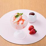 ヨーグルトアイス+フレッシュいちごソース