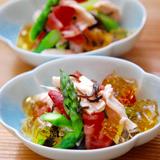 鶏胸肉とアスパラガスとトマトの塩昆布和え ジュレ添え