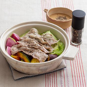 豚ばら肉と野菜の胡椒蒸し