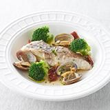 鮮魚とブロッコリーのアクアパッツァ風