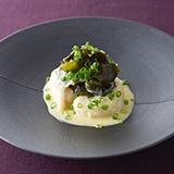 帆立貝とわかめの白ワインソース