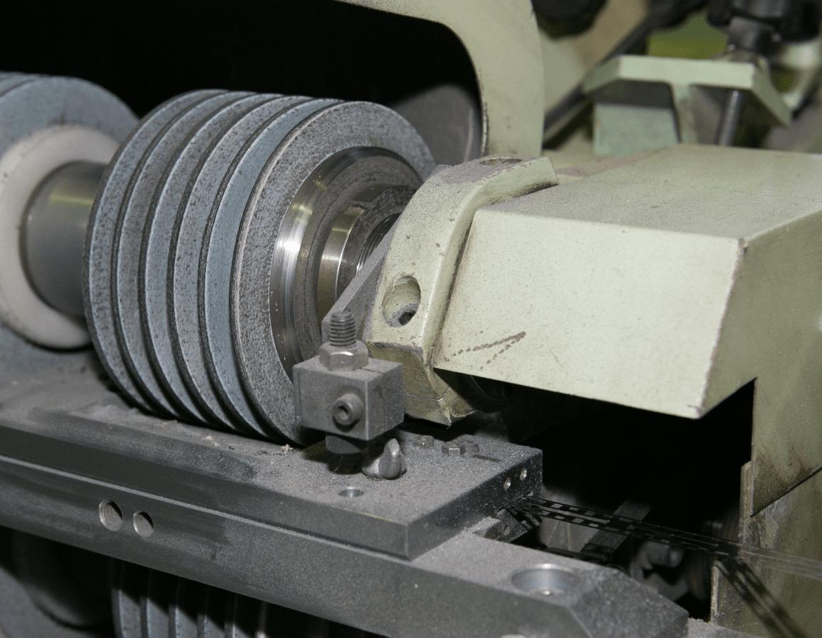 Manufacturing processes (RAZOR) | KAI FACTORY | KAI Group